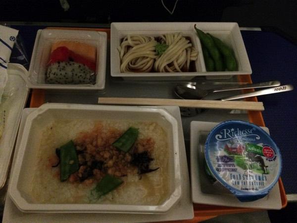 อาหารบนเครื่องบินANA
