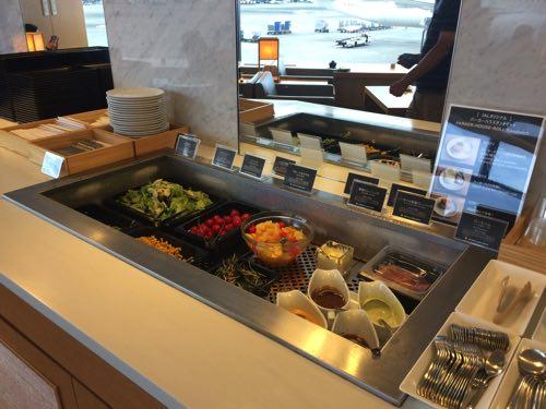 อาหารใน Sakura Lounge
