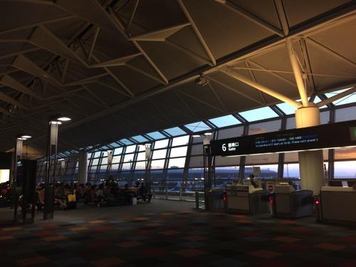 รอขึ้นเครื่องสนามบินนาโกย่า
