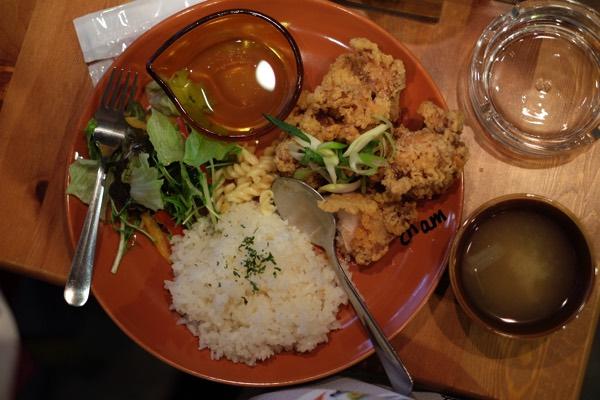 กินข้าวในชุดกิโมโน