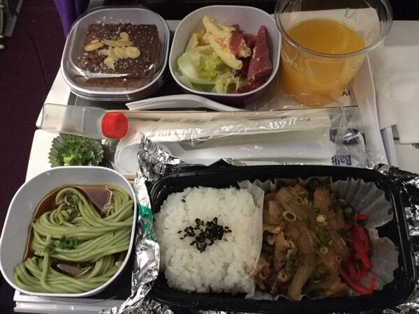 อาหารthai Airways ชั้นประหยัด รีวิว