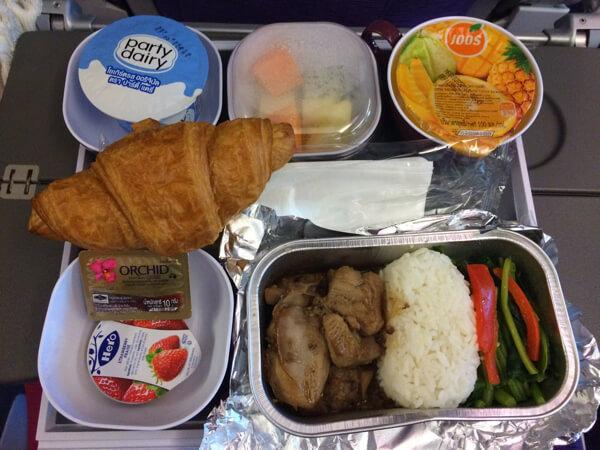 อาหาร ชั้นประหยัด การบินไทย