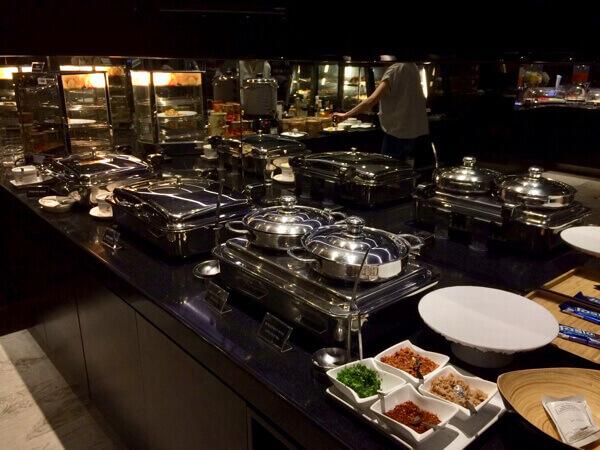 Eva Lounge สุวรรณภูมิ อาหาร