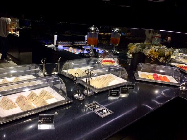 รีวิว อาหาร EVA Lounge