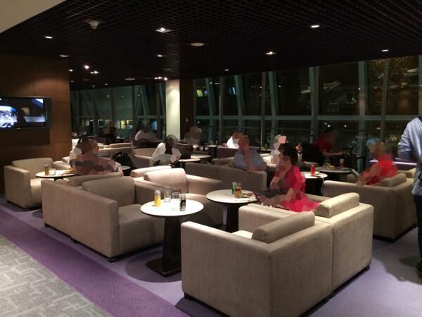รีวิว Thai Royal Silk Lounge