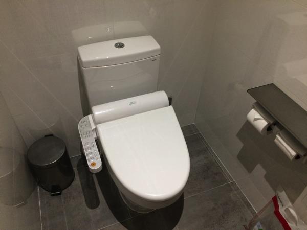 ห้องน้ำ สุวรรณภูมิ EVA