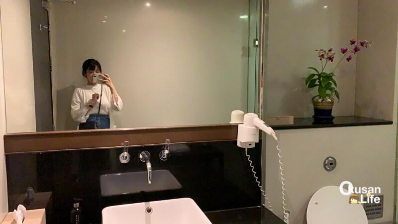 รีวิว ห้องอาบน้ำการบินไทย